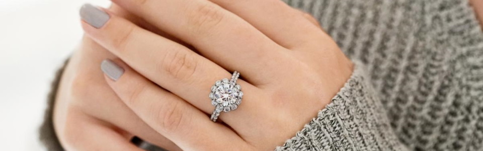 How To Buy Diamond Engagement Rings